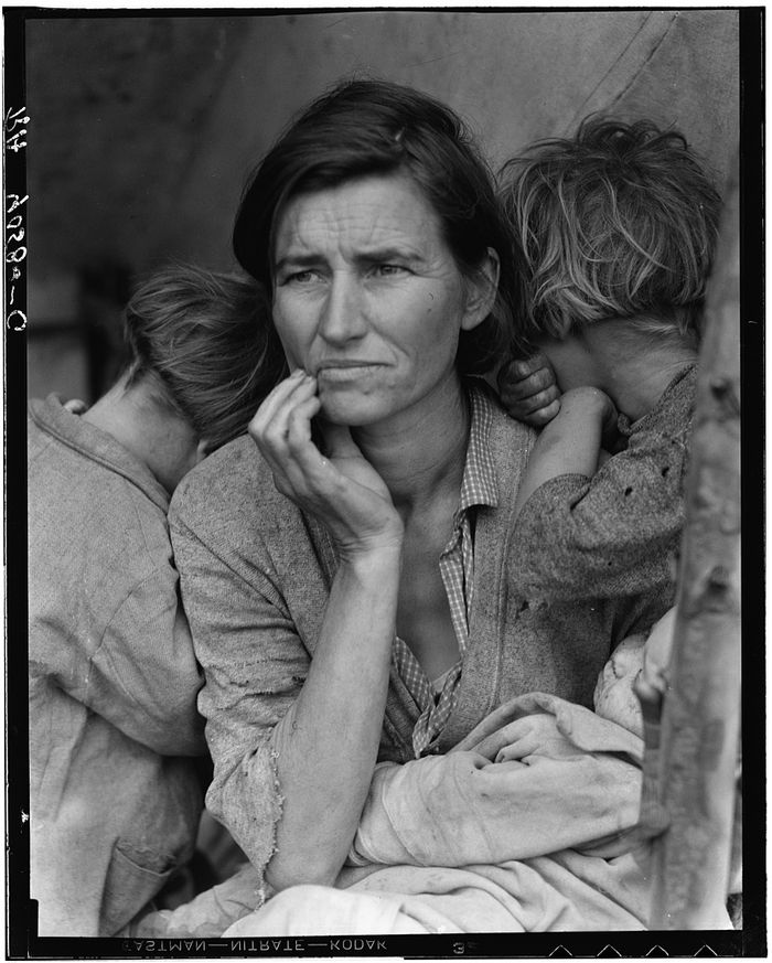 "Dorothea Lange. ""Destitute pea pickers in California. Mother of seven children. Age thirty-two. Nipomo, California"""